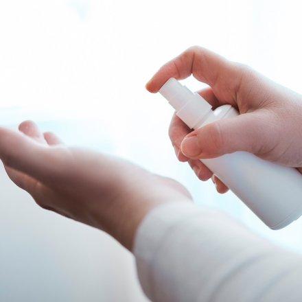 Hände Desinfektion - Sodasan