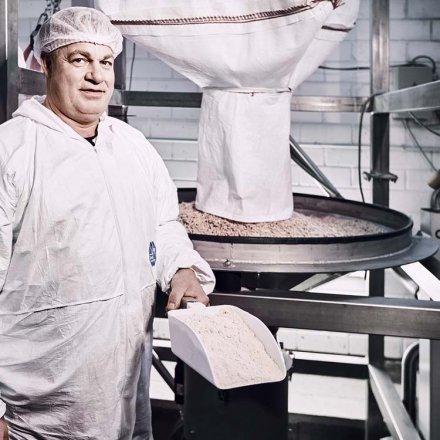 Bio Hagebuttenpulver aus handgepflückten Hagebutten