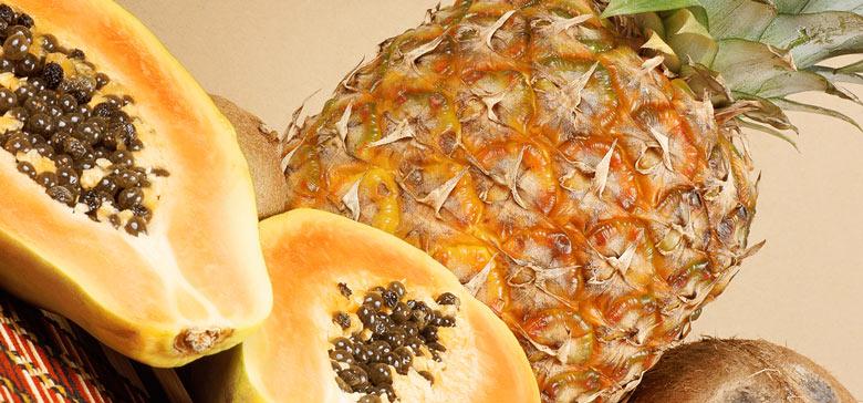Ananas und Papaya enthalten arttypische Enzyme
