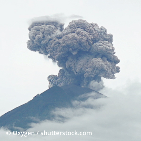 Ein rauchender Vulkan
